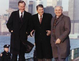 Regan, Nush i Gorbaczow w Nowym Jorku w 1988 roku. (fot. domena publiczna)