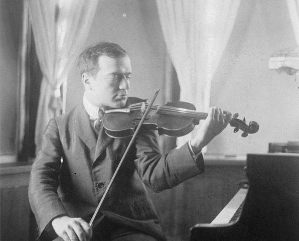 W kolekcji muzycznej Hitlera znalazł się także koncert skrzypcowy Czajkowskiego w wykonaniu Bronisława Hubermana.