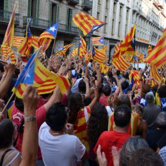 Manifestacje niepodległościowe w Katalonii (fot. Josep Renalias - Lohen11, CC BY-SA 3.0)