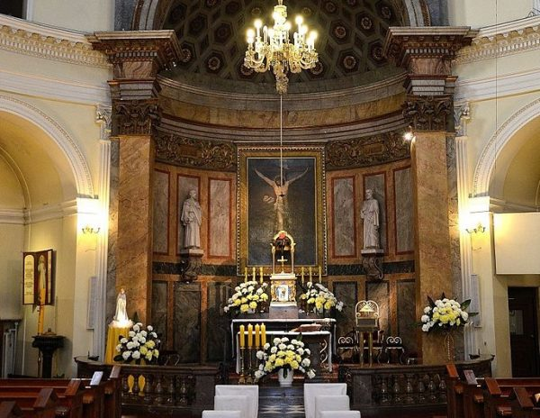 Jednym ze zwiastunów zmiany w stosunkach państwa z Kościołem pod koniec 1956 roku była radiowa transmisja pasterki, odprawianej w warszawskim kościele św. Aleksandra.