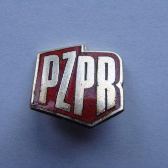 Znaczek PZPR (fot. Pesell, lic. CCA-SA 4.0 I)