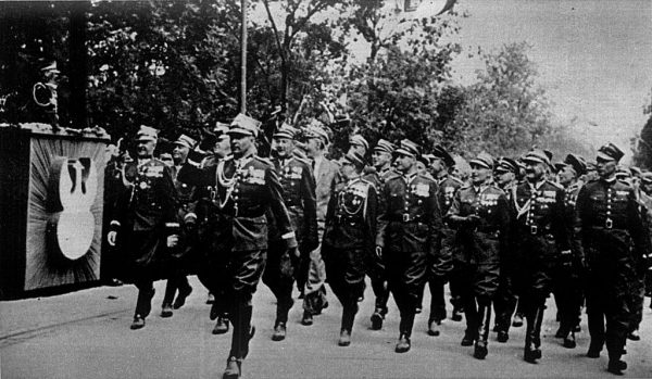 Pierwsza Kompania Kadrowa wyruszyła 6 sierpnia z nadzieją na wywołanie antyrosyjskiego powstania i wyzwolenie Warszawy.