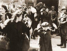 Do wykonania wielu fotografii z getta warszawskiego przyznał się Franz Konrad. Najprawdopodobniej jednak część zdjęć wykonywali fotografowie działający na rzecz propagandy III Rzeszy. Na ilustracje fragment słynnego zdjęcia z 1943 roku.