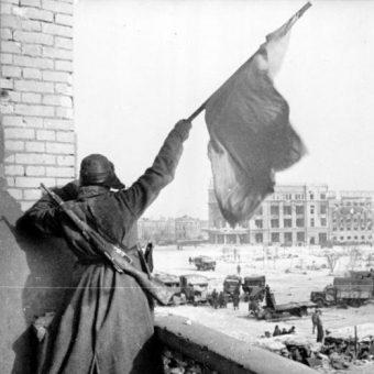Zwycięska dla ZSRR bitwa pod Stalingradem była jednym z punktów zwrotnych II wojny światowej.