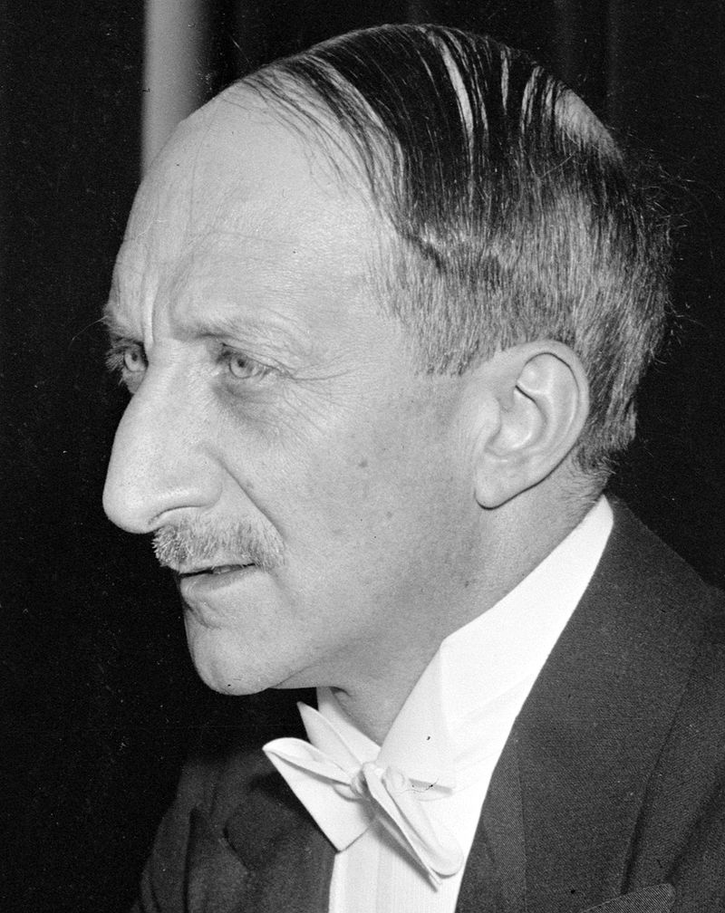 Georges Bonnet, w 1939 roku pełniący funkcję francuskiego ministra spraw zagranicznych, wierzył w to, że można znaleźć pokojowe rozwiązanie kryzysu. W roli mediatora widział Mussoliniego.