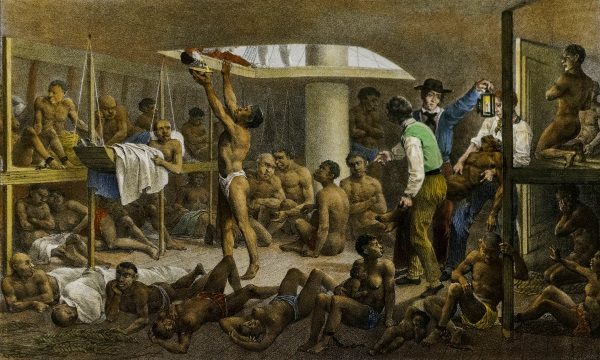 Afrykanie w ładowni statku niewolniczego (fot. domena publiczna)