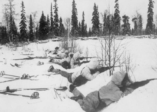Obecne na wystawie wyposażenie fińskiego żołnierza, w tym narty, zostało przekazane przez Muzeum Wojskowe w Helsinkach.