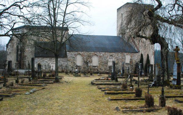 Kościół i cmentarz w opuszczonej wsi Dollersheim (fot. GuentherZ; lic. CC ASA 3,0)