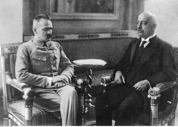 Prezydent Gabriel Narutowicz na spotkaniu z Józefem Piłsudskim