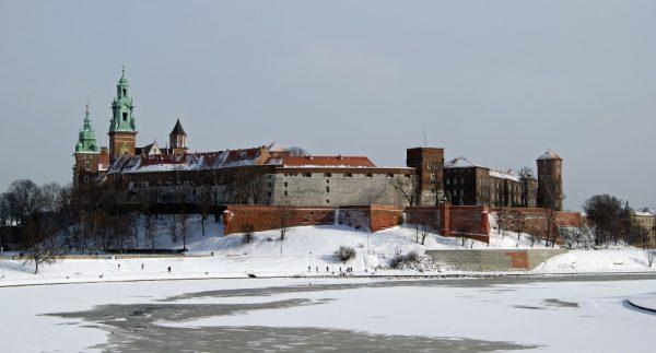 Wawel miał znaczenie symboliczne. Dlatego Karol Gustaw swą obecność w Krakowie rozpoczął od udania się na słynne wzgórze (fot. Zygmunt Put Zetpe0202, lic. GFDL)