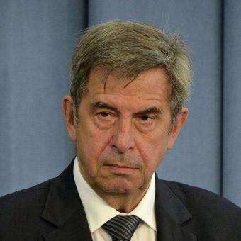 Profesor Andrzej Zoll w 1989 roku wszedl do Państwowej Komisji Wyborczej. Jako ekspert prawny zasilił też szeregi Solidarności w trakcie obrad Okrągłego Stołu.