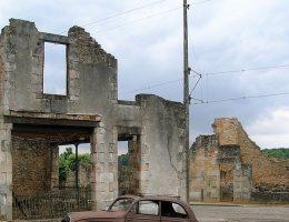 W czerwcu 1944 roku niemieccy żołnierze żywcem spalili mieszkańców miasteczka Oradour. Do dzisiaj trudno wytłumaczyć tę zbrodnię.