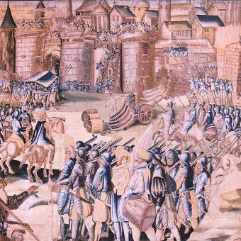 Wojskami królewskimi oblegającymi La Rochelle dowodził późniejszy król Polski, Henryk Walezy.