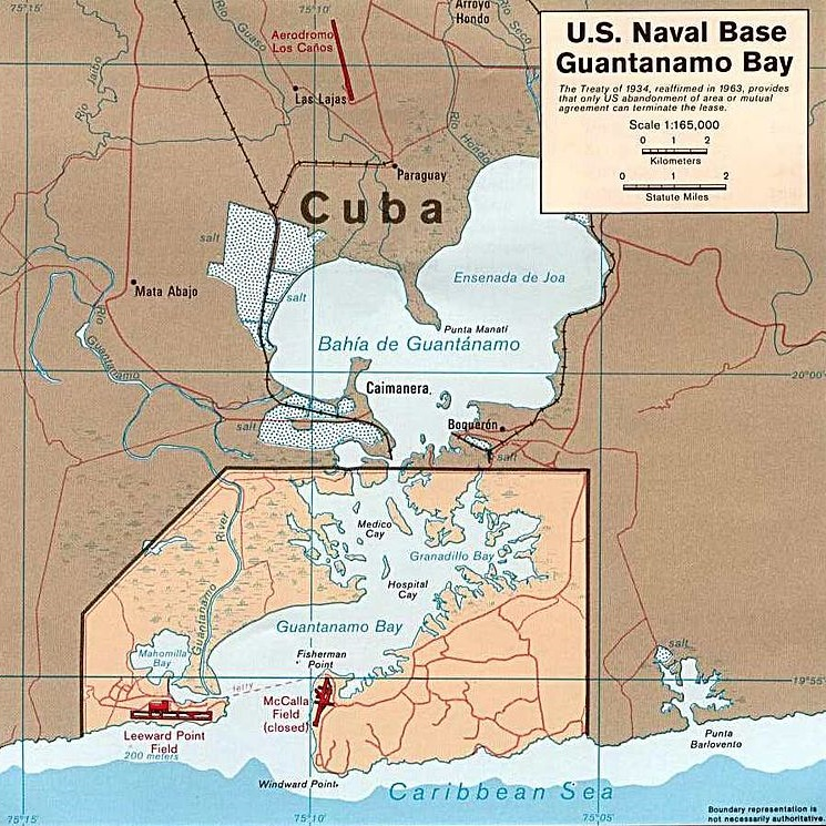 Na wydzierżawionych od Kuby terenach Amerykanie utworzyli bazę marynarki wojennej.