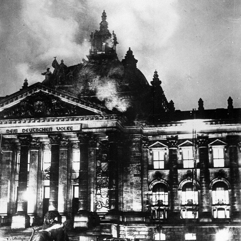 Dekret ograniczający prawa obywatelskie został wydany tuż po pożarze Reichstagu.
