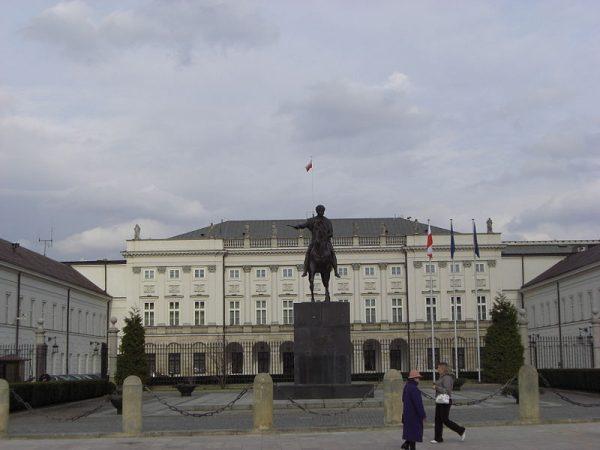 Tymińskiemu marzyło się mieszkanie w Pałacu Prezydenckim. Czy naprawdę miał na to szanse?