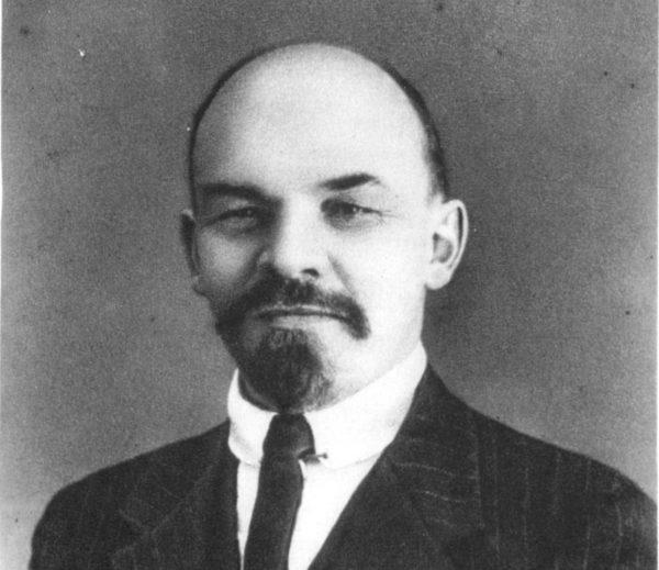 Przebywający w Szwajcarii Lenin nie był brany przez niemieckich przywódców pod uwagę jako potencjalny przywódca rosyjskiej rewolucji.