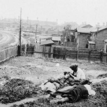 Ofiary Wielkiego Głodu. Zdjęcie z 1933 roku.