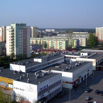 Osiedle z wielkiej płyty (fot. domena publiczna)