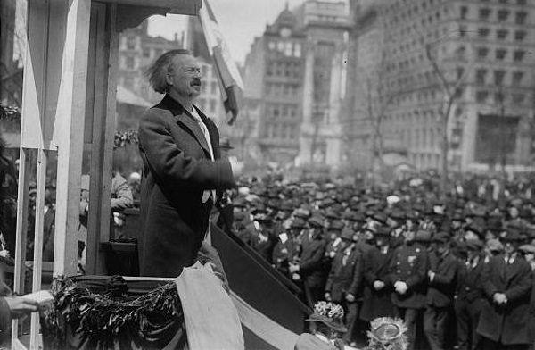 Do wybuchu powstania przyczyniło się płomienne przemówienie, wygłoszone przez Ignacego Jana Paderewskiego.
