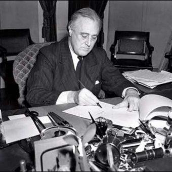 Orędownikiem przyjęcia Lend-Lease Act był prezydent USA, Franklin Delano Roosevelt.