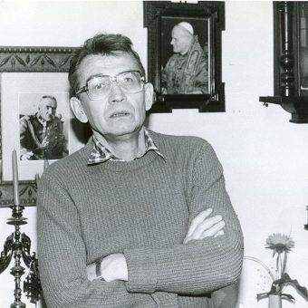 Jednym z założycieli ROPCiO był Leszek Moczulski.