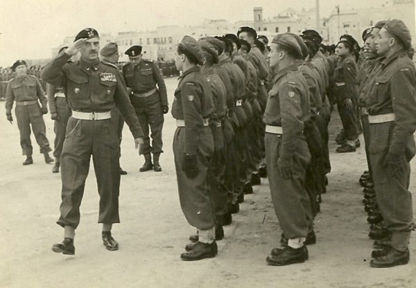 Najbardziej gwałtowne reakcje na postanowienia jałtańskiej konferencji wystąpiły w 2. Korpusie Polskim, dowodzonym przez generała Władysława Andersa.