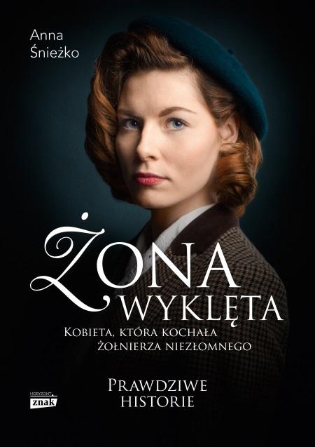 Inspiracją do napisania artykułu była książka Anny Śnieżko, Żona wyklęta, która ukazała się właśnie nakładem wydawnictwa Znak Horyzont