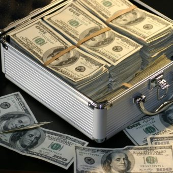 Cinkciarze handlowali między innymi dolarami (lic. CC0)