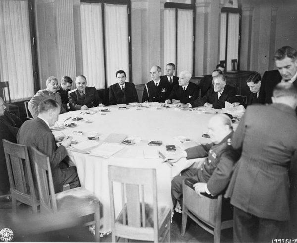 Wiele kontrowersji wzbudziła kwestia zachodniej granicy Polski. Nie zapadły w tej sprawie ostateczne decyzje, ale wstępnie zgodzono się na linię Odry i Nysy.