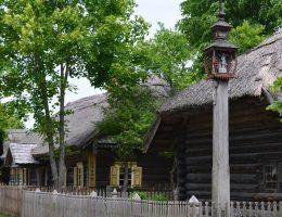 Litewski skansen - muzeum pod gołym niebem (fot. vietnam-lt, lic. CC0)