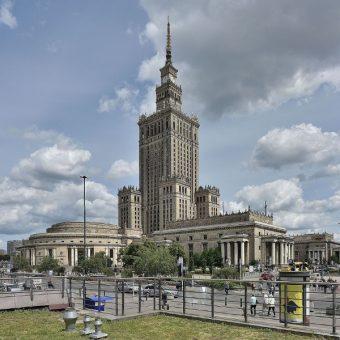 Pałac Kultury i Nauki w Warszawie. Aparatczycy mieli w nim specjalną, wydzieloną kawiarnię (fot. Adrian Grycuk, lic. CCA-SA 3.0)
