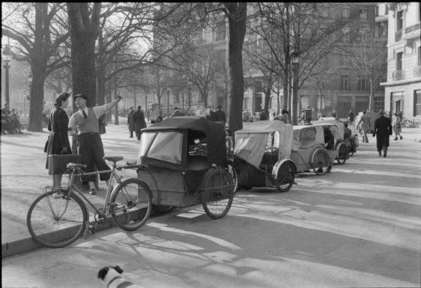 W 1945 roku życie w Paryżu powoli wracało do normy.