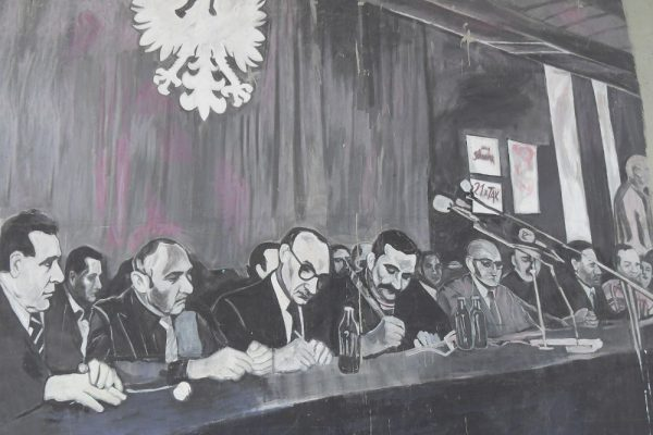 Podpisanie porozumień sierpniowych w Gdańsku, w sali BHP - mural w Gdańsku (fot. domena publiczna)