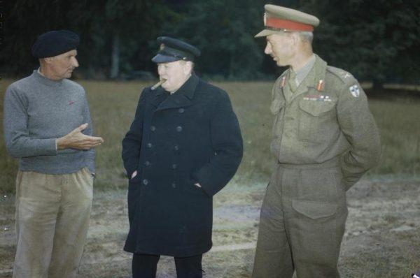 Winston Churchill był świadom, że powstańcom w Warszawie należy udzielić pomocy. Nie udało mu się jednak przekonać do tego sojuszników.