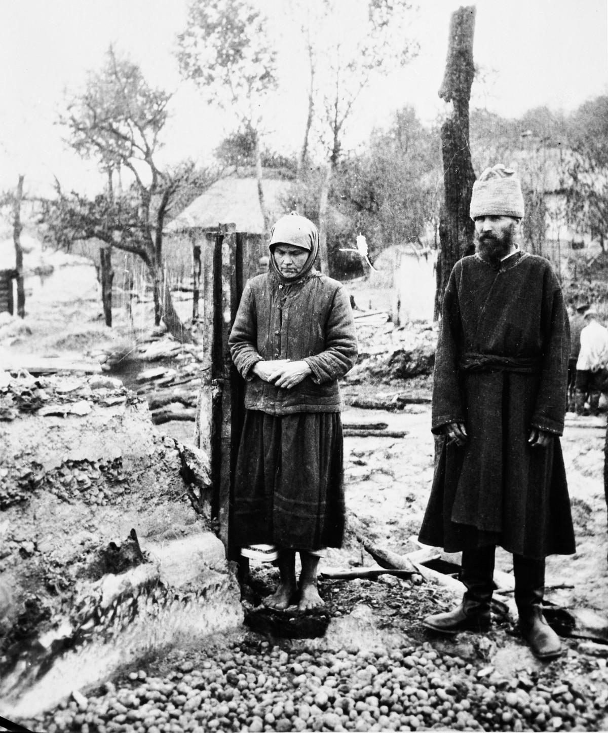 """Przywódcy Związku Radzieckiego uznali, że klęska głodu będzie doskonałym sposobem na rozprawę z opornymi ukraińskimi chłopami. Zdjęcie z książki """"Czerwony Głód""""."""