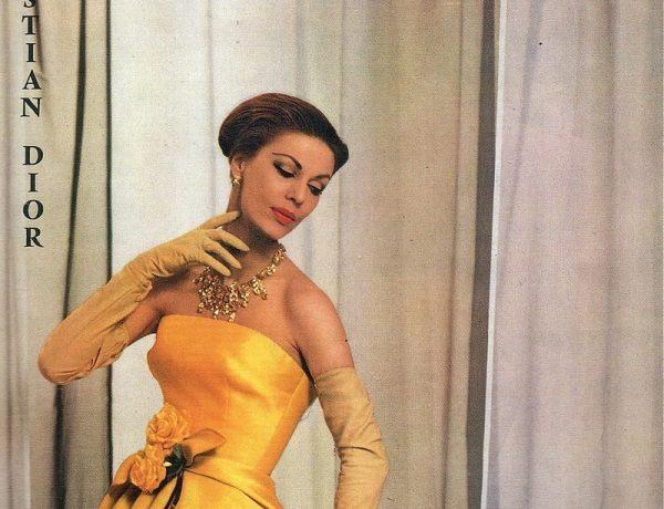"""Jednym z projektantów pracujących nad pokazem z 1945 roku był także Christian Dior, który już dwa lata później zrewolucjonizował świat mody, przedstawiając kolekcję """"New Look""""."""