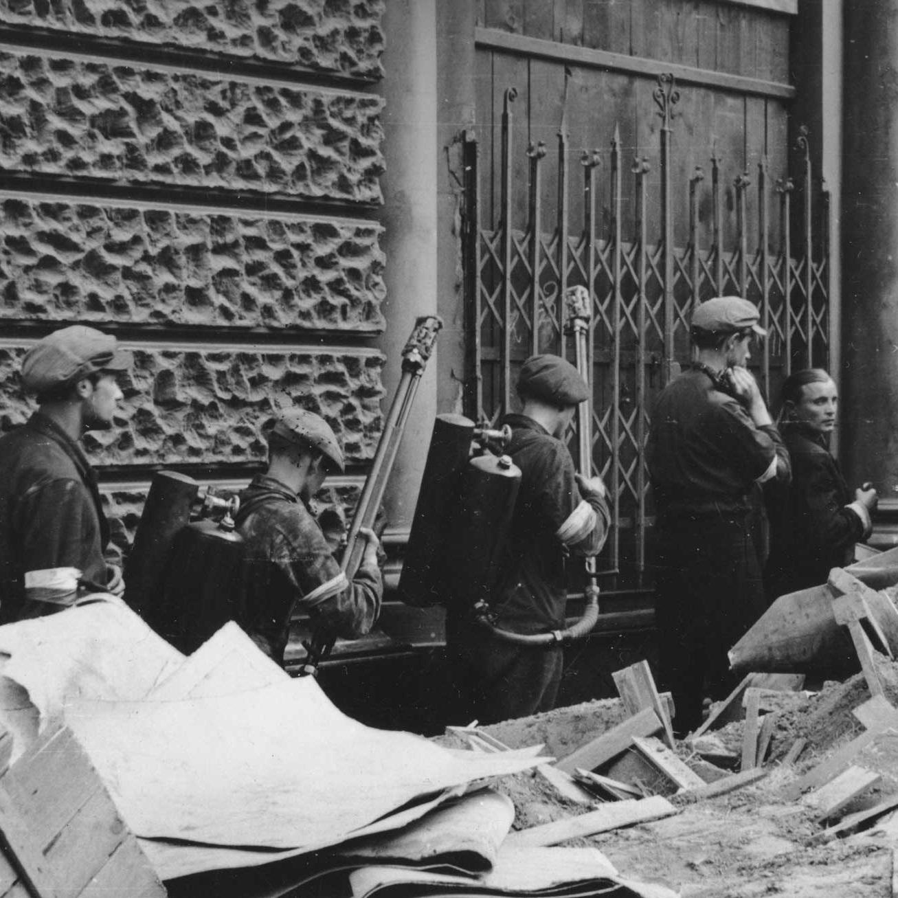 Batalia o pomoc dla polskich powstańców trwała od początku zrywu.
