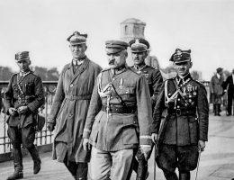 Józef Piłsudski przybył na most Poniatowskiego z nadzieją na porozumienie z prezydentem Wojciechowskim.