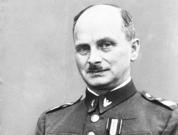 """Pułkownik Kazimierz Sawicki wspomina, że Piłsudski po rozmowie z Wojciechowskim stwierdził: """"przejścia do Warszawy nie ma""""."""