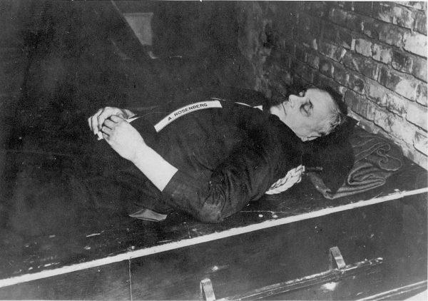 Alfred Rosenberg po wykonaniu wyroku śmierci.