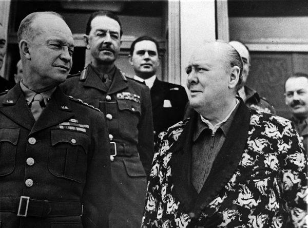 """W czerwcu 1944 roku Churchill otrzymał informację, że usunięcie Hitlera """"w szerszej perspektywie"""" byłoby korzystne. Sam jednak nie do końca chyba zgadzał się z tą opinią."""