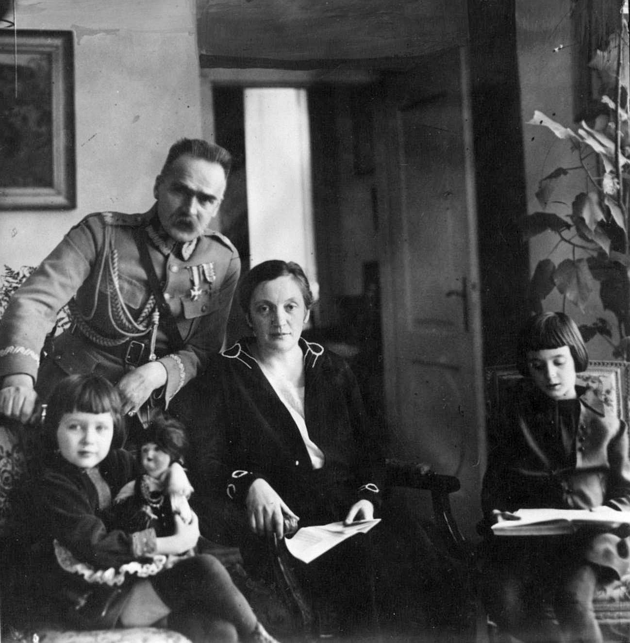 Działaczką ruchu kobiecego była także żona Józefa Piłsudskiego, Aleksandra.