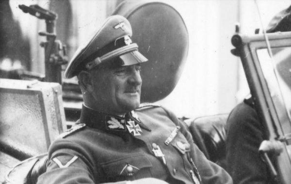 W obliczu nadciągającej klęski możliwość zwrócenia się przeciwko Hitlerowi przewidywał nawet jego ulubieniec, Obergruppenführer Sepp Dietrich.
