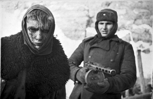 Żołnierze, którzy trafili do niewoli radzieckiej po kapitulacji armii niemieckiej pod Stalingradem, byli skrajnie wyczerpani.