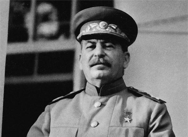 Stalin zapewne zgadywał, że ostentacyjna przyjaźń Hitlera łatwo może się zmienić we wrogość.