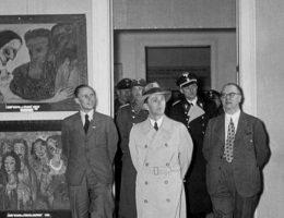 Joseph Giebbels ogląda wystawę sztuki (fot. Bundesarchiv, Bild 183-H02648, lic. CC-BY-SA 3.0)