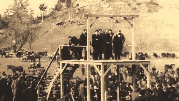 Ostatnia publiczna egzekucja przez powieszenie w Zachodniej Virginii (fot. domena publiczna)