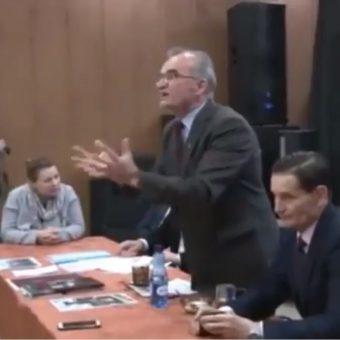 Piotr Szubarczyk (fot. screen wideo opublikowanego przez Ośrodek Monitorowania Zachowań Rasistowskich i Ksenofobicznych)