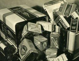 """Produkty """"Pluton"""" przed wojną (fot. materiały prasowe firmy Pluton Kawa Sp. z o.o.)"""